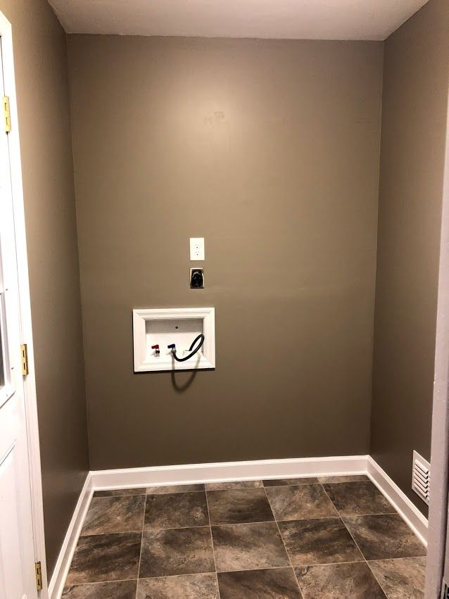 Laundry Room Getting There Slowly But Surely Paint Benjamin Moore 1544 Waynesboro Taupe Flooring Mannington Sobella Taupe Flooring Waynesboro Design