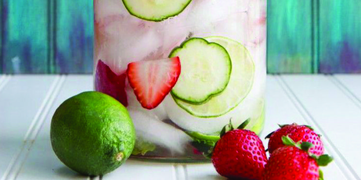 6 Deliciosas aguas desintoxicantes que te renovarán para siempre