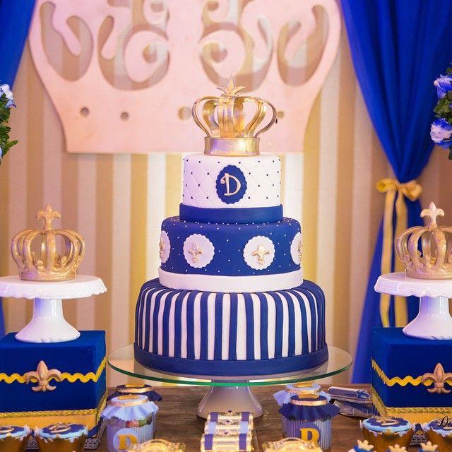Ainda encantada com a decor para o #reidavi  e as coroas de @mussalemobjetos…