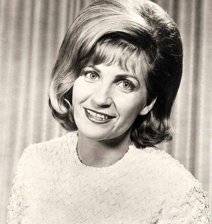 Skeeter Davis was an American country music singer best known for crossover pop…