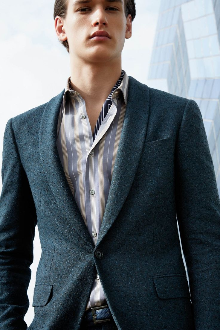 Discover Pal Zileri Fall Winter menswear collection: a blend of  craftmanship and modern and fresh codes.