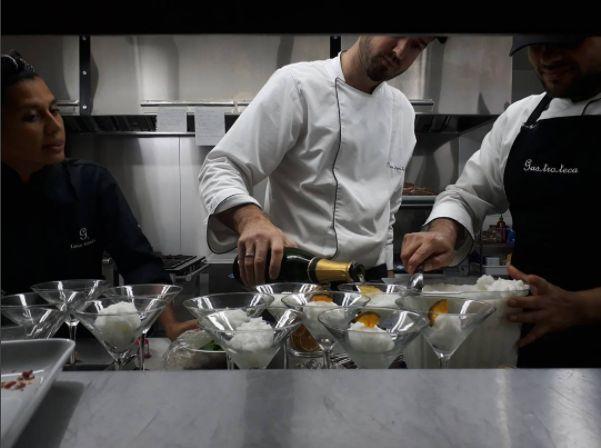 Un poco de vino en el postre  #gastroteca #bebevino #wine #foodlover #winelover #food #foodie #vinos #vinosdelrio