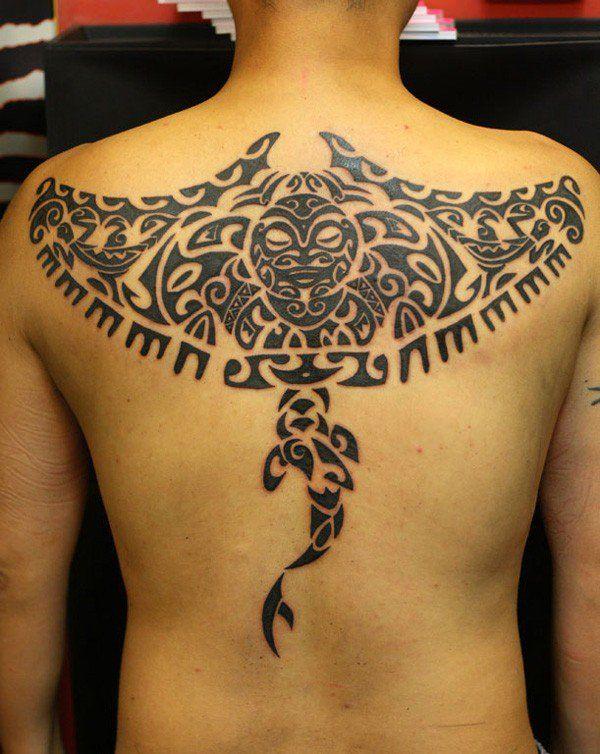 meet the rays   impressive polynesian tattoos manta ray