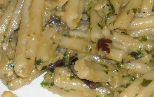Ricette semplici e golose: Pasta al pesto di funghi