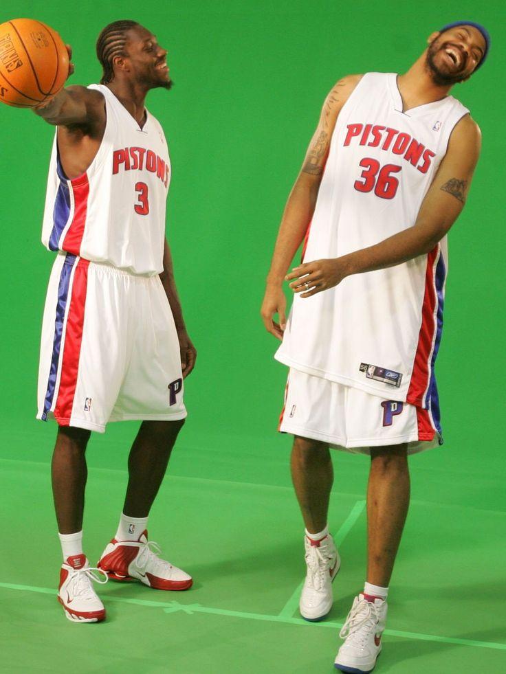 Detroit Pistons' Ben Wallace, left, and Rasheed Wallace joking around on media day (10/02/05)