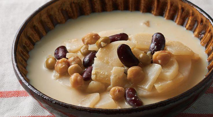 やさしい味のかぶとミックスビーンズの豆乳スープ