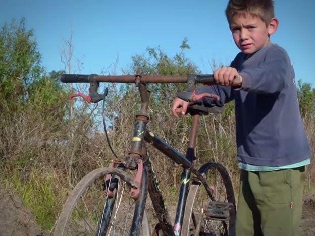 La historia de Carlitos y su bicicleta