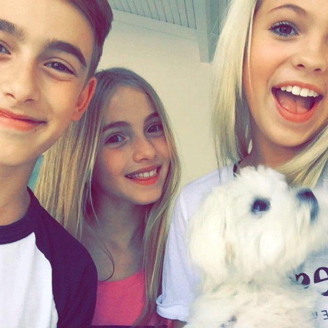 selfie whit my friends Lauren Orlando and Johnny Orlando
