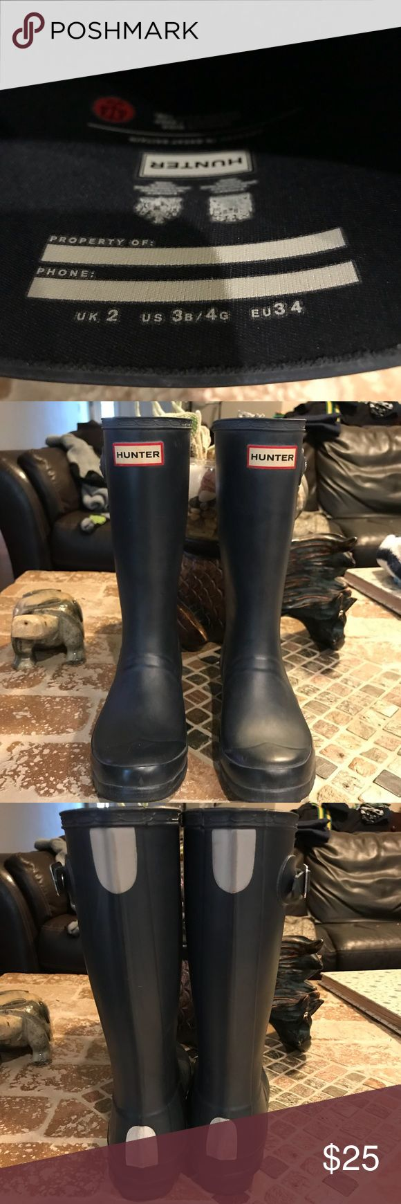 Hunter rain boots‼️sale‼️ size 4g Rain boots! Perfect for girl, very comfy ! Size 4g Hunter Shoes Rain & Snow Boots
