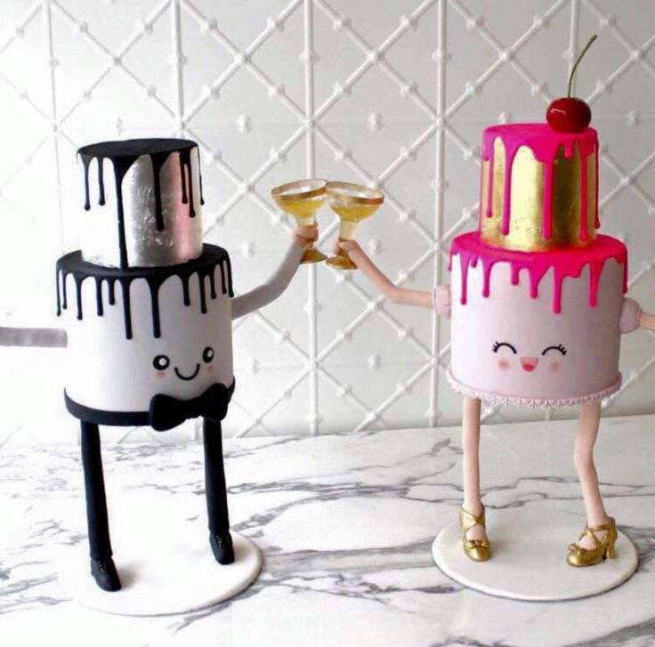 Faye Cahill cake's with legs