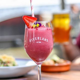 OMG is this the prettiest summer drink in Melbourne?! You're looking at frose from @riverlandbar. Essentially a frozen slushy made from rosé wine, it's the kind of drink that's perfect with a side of sun and a waterfront view. Luckily for you, Riverland Bar ticks all three boxes ✔️✔️✔️ #urbanlisted #melbourne #riverlandbar
