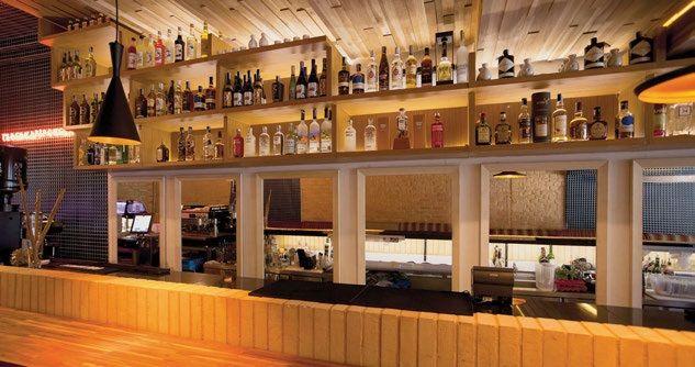 Canoa. es una taberna donde surgen platos y cocteles que invitan a navegar por los sabores de Japón.