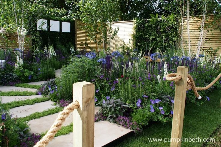 The Wellbeing of Women Garden won the People's Choice Award for the Best Small Garden.  This colourful garden was designed by   Wendy von Buren, Claire Moreno, Amy Robertson and built by Tattersall Landscapes.