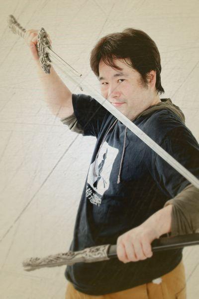 ゲスト◇福丸伯爵(hukumaru hakusyaku)主に舞台役者、イベントの司会、MCなどで活動するかたわら、舞台監督や舞台美術、小道具製作もこなす。幅広い視野でツッコミをいれるのが得意、コント劇団にいたころのあだ名は「ミスター見逃さず」。