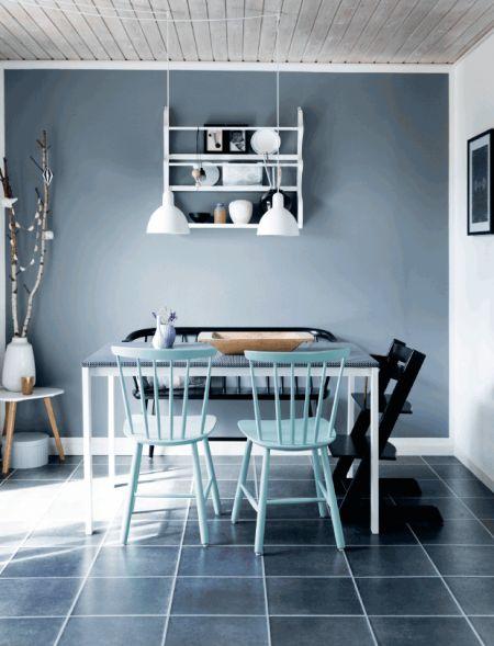 Skab dybde i dit rum med en grå væg // grey nordic living scandinavian design