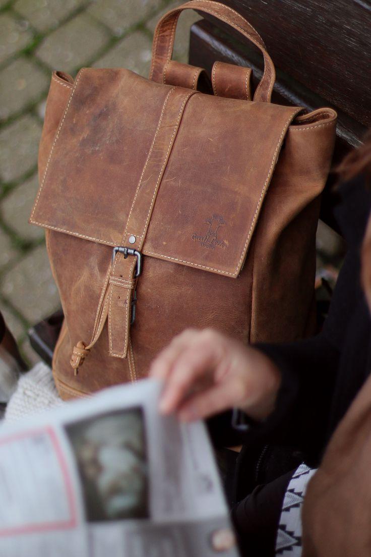 Cityrucksack Jaime | Mit diesem wundervollen Lederrucksack von Gusti Leder hast du alles stets bei dir. Er eignet sich nicht nur perfekt für Schule, Uni und Arbeit, auch in deiner Freizeit ist er ein treuer Begleiter! 2M21-20-6
