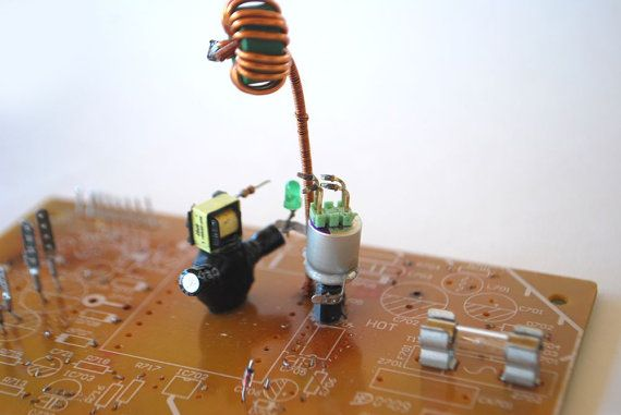 Pitching & Litsing by Phygitales on Etsy   #robots, #phygitales, #Phyci_Digi_Land, #animation, #comics, #art, #sculpture, #recycled_PCB, #recycled_electronics, #figurine, #recycled_computer, #Recycled_Circuit_Board, #computer_parts, #recycled_electronics, #recycled
