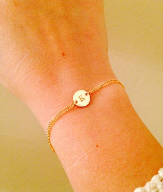Bracelet en or Monogram, personnalisé, bracelet, initiales, enfants, mère, mariée, bijoux de mariage, cadeau, demoiselle d'honneur