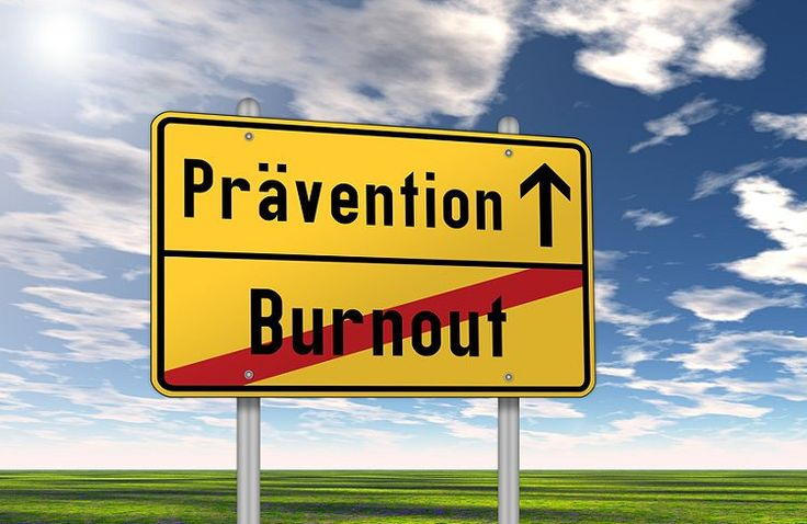 """Das Burnout ist derzeit in aller Munde und gilt schon beinahe als """"Trend-Krankheit"""". Tatsächlich steigen die Zahlen der Betroffenen eines Burnouts jährlich in einem erschreckenden Maße an. Laut einer bei Statista veröffentlichten Studie, lagen die Krankheitstage pro 1.   #Angststörung #Ausgebranntsein #Burn-Out #Burnout-Prävention #Depression #Stress"""