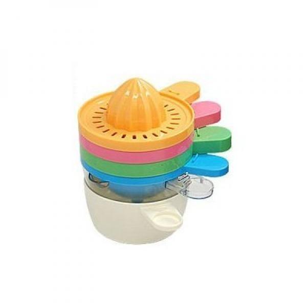 El exprimidor 6 en 1 Multiusos | Teletienda TV. Se convertirá en su principal utensilio de cocina. Prepare con el exprimidor 6 en 1 multiusos jugos de naranjas deliciosos o de cualquier otra fruta que le apetezca. Además este exprimidor manual dispone de 5 funciones más. Adicionalmente podrá utilizarlo como embudo para canalizar líquidos entre diferentes envases, utilizarlo como vaso o taza, para separar las claras de sus huevos, como rallador, así como de utensilio de cocina para la medida…