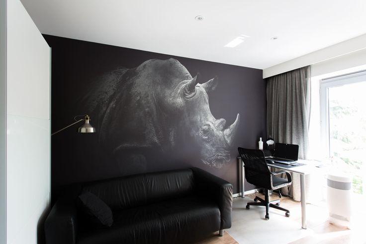 Persoonlijke herinnering verwerkt in het interieur #design #herinneringen #interieurbouw #foto #neushoorn #wanddecoratie #huisdecoratie #decoratie #fotomuur #fotografie #kunst