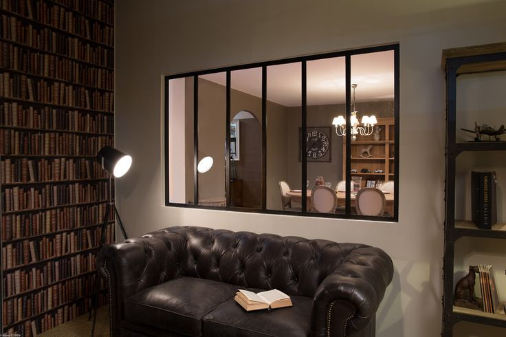 Colorized retro-style bookcase wallpaper by Koziel Project by Verrières d'intérieur atelier d'artiste