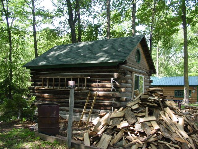 Free cabin plans pdf woodworking projects plans for Small survival cabin