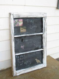 finestra come lavagna http://www.arredamentoprovenzale.net/10-idee-per-riciclare-vecchie-finestre-stile-shabby-chic/