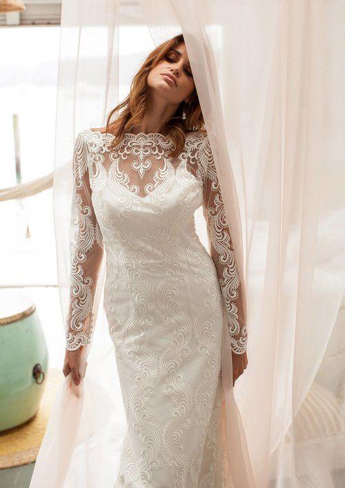 JENNIFER GO BRIDAL // The Carousel Gown