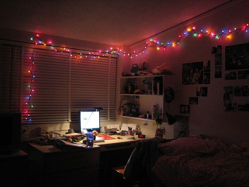 How to Light Your Dorm Room with Christmas Lights and Paper Lanterns ...
