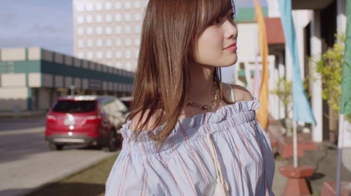 白石麻衣/「オフショアガール」MVより