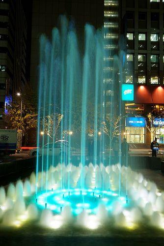 Cheonggyecheon Plaza water fountain Seoul