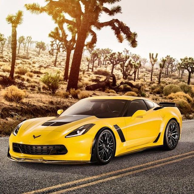 Is the Z06 perfect?  @caranddrivermag #z06 #autoaddicts