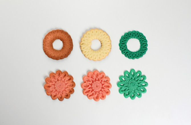 3D printing christmas cookies - Ralf Holleis.Join the 3D Printing Conversation: http://www.fuelyourproductdesign.com/ .