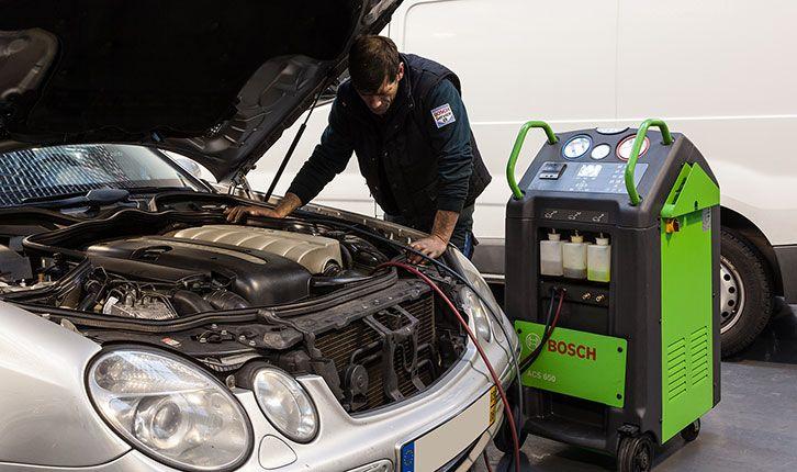 Eletricidade: Recarga de Ar Condicionado com deteção de fugas, Reparação de alternador, motor de arranque, compressores de Ar Condicionado, centralinas e quadrantes, Teste carga bateria, Montagem de auto-rádios, GPS, assistência ao estacionamento e kit xénon;