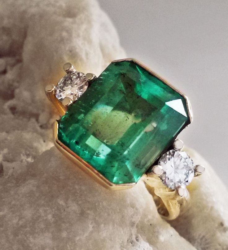 7.35cts AAA COLOMBIAN EMERALD RING WITH DIAMONDS ACCENTS 18K YELLOW GOLD #Solitairewithaccents