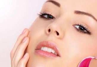 Easiest Ways and Home Remedies to Get Pink Lips Naturally