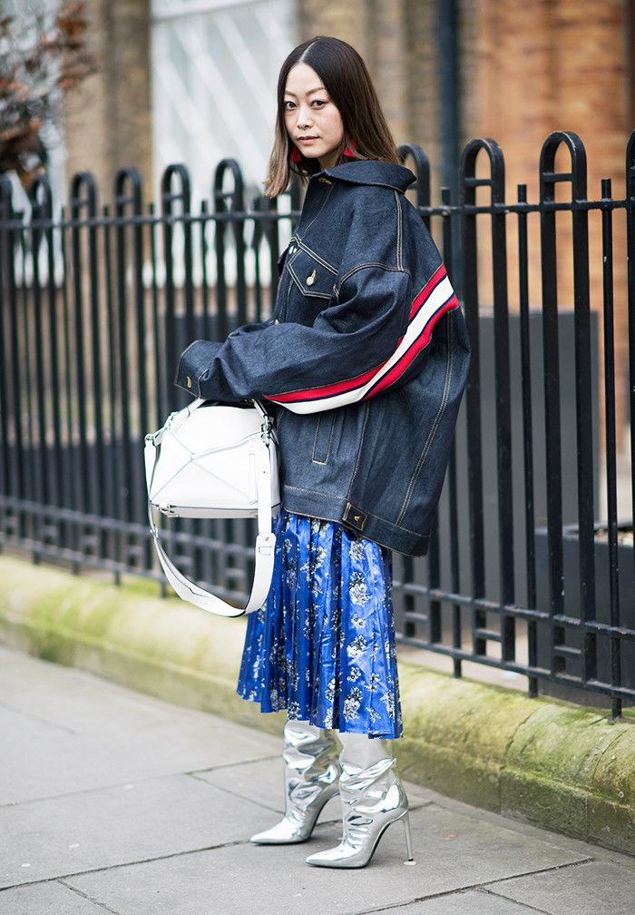 Want to see the best London Fashion Week street style from February 2017? We've found some incredible looks you'll want to pin immediately.