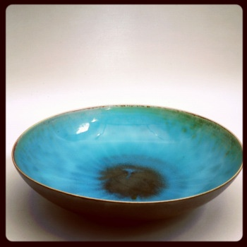 Bowl by Friedl Holzer-Kjellberg (1905-1993).    From Jönköpings läns museums collections.    #ceramics #art #JkpgLMCollections