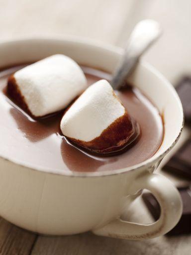 lait entier, chocolat noir, vanille, guimauve, crème liquide, sucre
