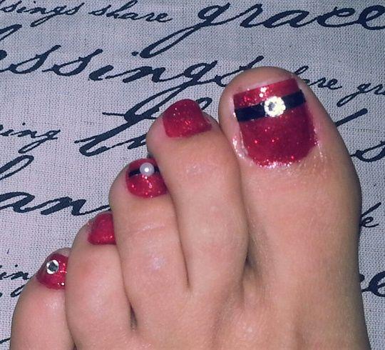 christmas toes by sirenmarina - Nail Art Gallery http://nailartgallery.na... by Nails Magazine http://www.nailsmag.com #nailart