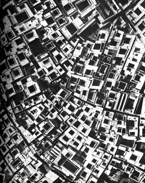 Marrakech (Morocco)    The structures in Architecture Without Architects reveal a kind of purposeful, iterative, social design process that, while dating back centuries and originating in primitive cultures, offers a powerful parallel to contemporary shifts towards collaborative creation. #vernacular #emergent #islamic