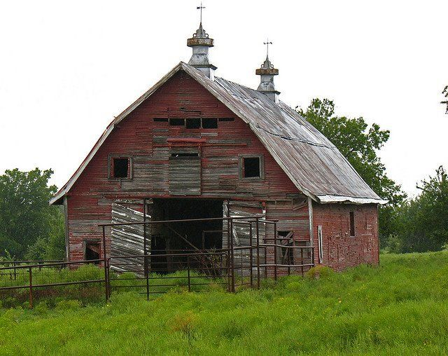 Visit thereluctantpaladin.blogspot.com     barn by reluctant_paladin on Flickr