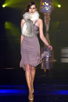 running shoes for women with plantar fasciitis Julien Macdonald Autumn Winter 2004 5 Ready To Wear