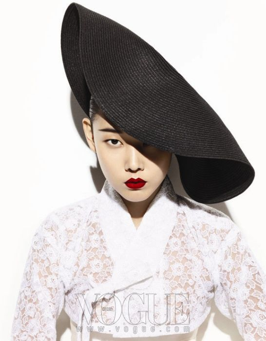 Vogue Korea, lace