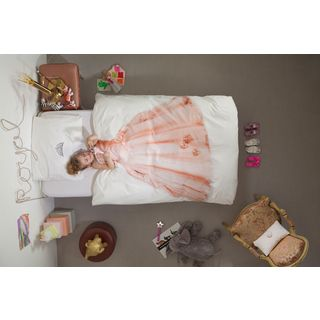 Pretty in pink even when sleeping.  A gorgeous Snurk Princess single doona cover set perfect for little girls everywhere.| Kids gift ideas | Krinkle Gifts.