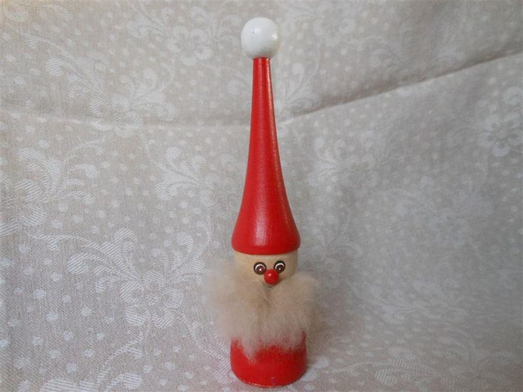 Äldre retro jul tomte i trä, ull skägg, h 18,5cm, vintage 60tal