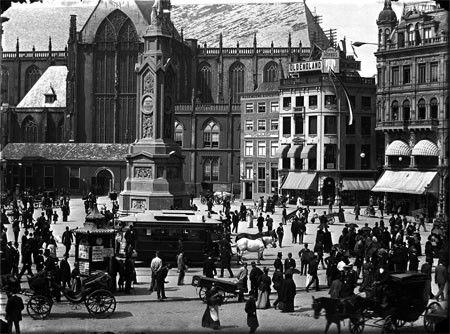 Dam square in 1895, photo by Jacob Olie.