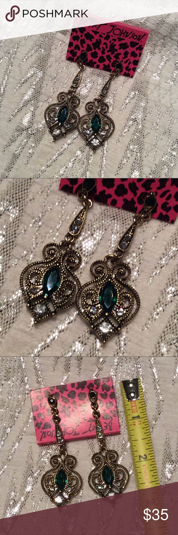 New Betsey Johnson Gold Dangle Earrings Boutique