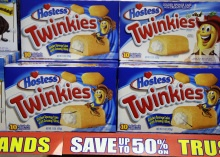 OOOOOOooooohhhh nooooooooo  Twinkies maker Hostess GOING OUT OF BUSINESS - CBS News
